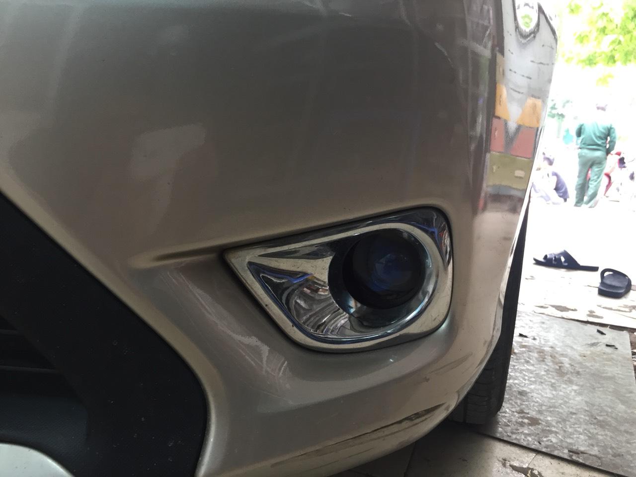 Toyota Vios lê bi gầm GTR